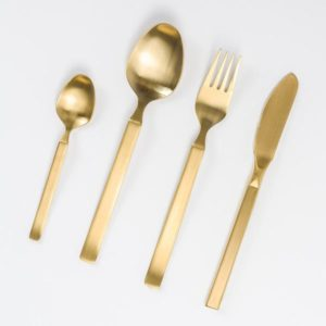Cutlery set in matt