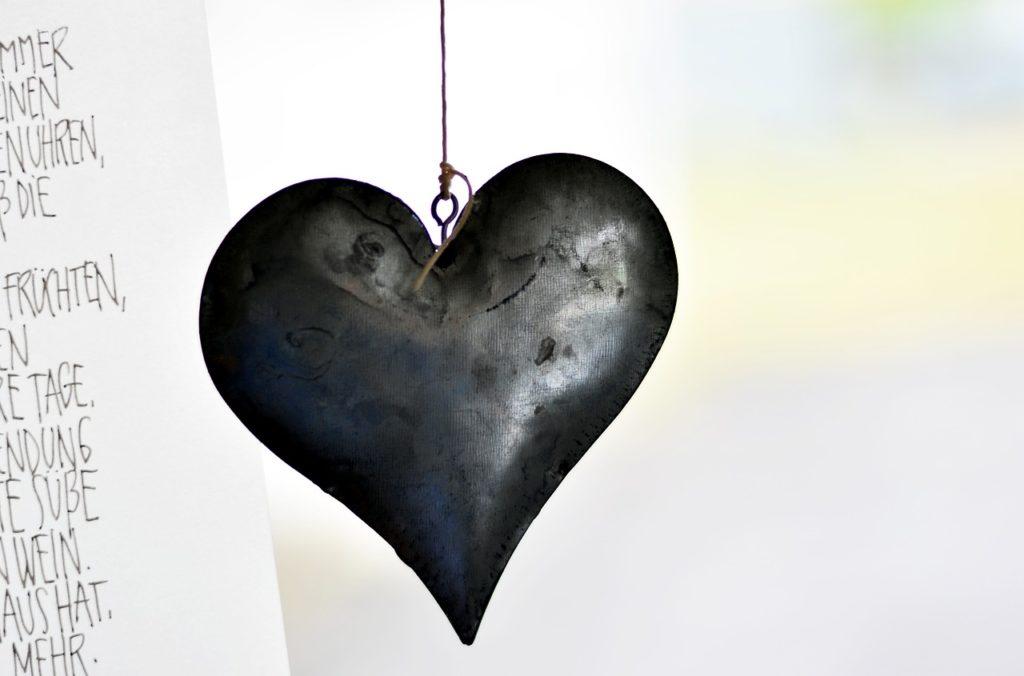 Royaldesigne metal heart
